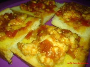 Roti Ayam Tomat